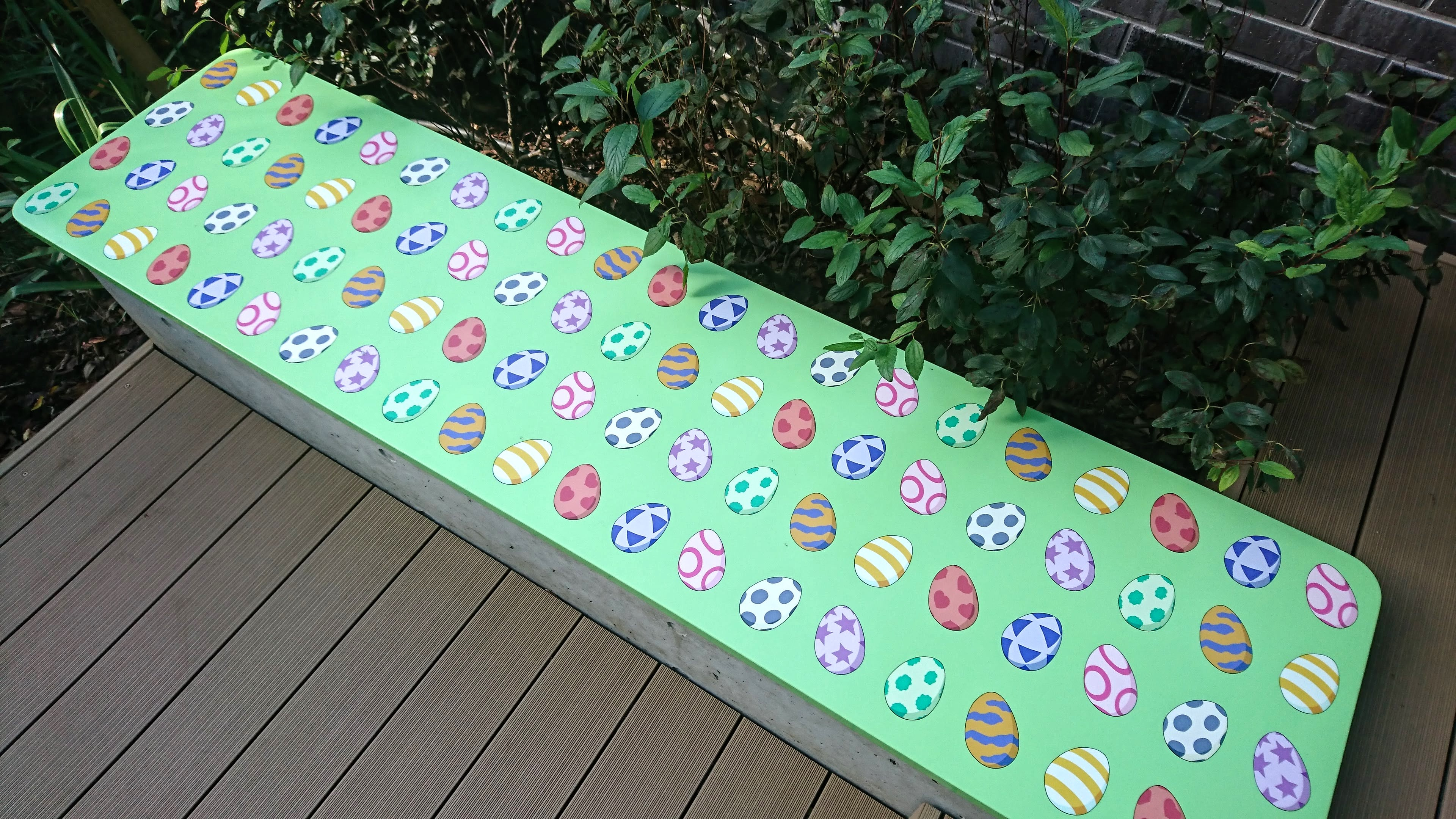 東映アニメーションギャラリー デジモンの卵ベンチ